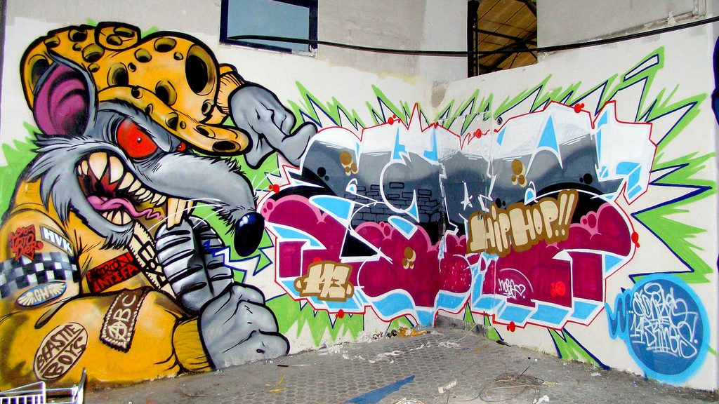 Graffitirens fjerner graffiti
